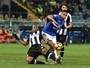Samir na Itália: papai, lateral-esquerdo, titular, um gol e os dois pés no chão