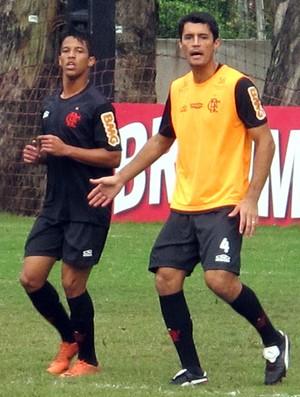Nixon e Gonzalez, Flamengo (Foto: Richard Souza / Globoesporte.com)
