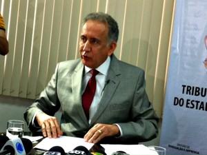 Presidente do TJAM apresentou relatório atualizado de processos de Adail Pinheiro (Foto: Adneison Severiano/G1 AM)