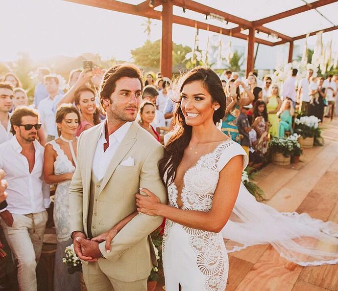 Olha a cara de apaixonado do noivo!  (Foto: Fernando Souza/ Divulgação)