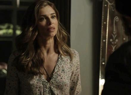 Lívia discute com Renato por causa de Clara