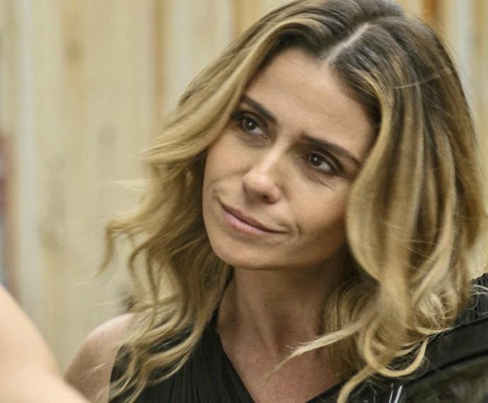 Verdadeiro nome de Atena é descoberto (Foto: TV Globo)