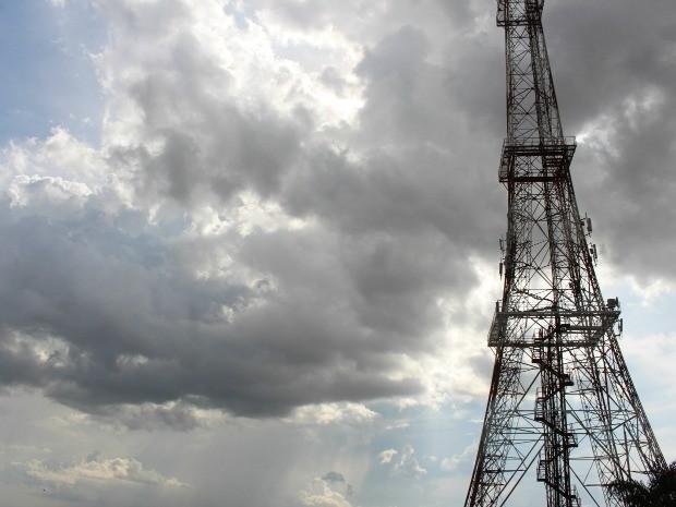 Céu em Campo Grande na tarde desta sexta-feira (2) (Foto: Priscilla dos Santos/G1 MS)
