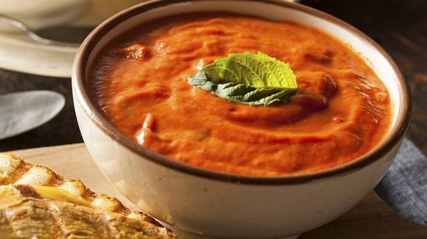sopa de tomate low carb