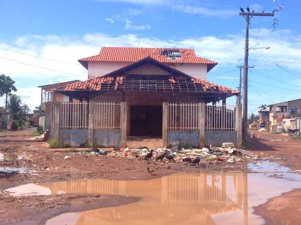 Centro Comunitário, Cidade Nova, Amapá, Macapá, abandono, Aedes aegypti, (Foto: Fabiana Figueiredo/G1)