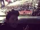 Luan Santana assiste a show da banda One Direction em São Paulo