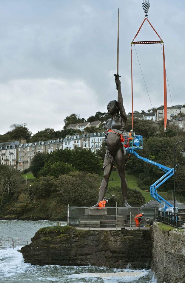 Moradores qualificaram a estátua de 'imoral', 'obscena' e 'ofensiva'.  (Foto: Toby Melville/Reuters)