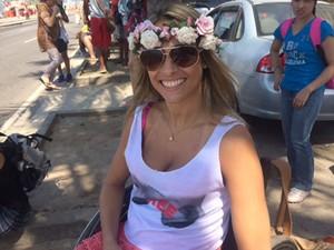 Natache Iamayá participa de toplessaço nesta terça-feira (20) em Ipanema (Foto: Cristina Boeckel)