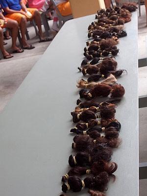 Cabelos doados serão transformados em peruca para pacientes com câncer (Foto: Wilton Prata/ Afecc)