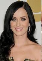 É tendência: famosas mudam o visual e aparecem com cabelos acima dos ombros. Veja antes e depois