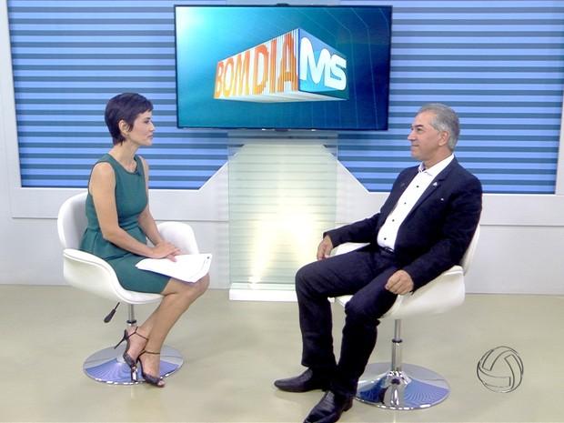 Governador Reinaldo Azambuja no estúdio do Bom Dia MS (Foto: Reprodução/ TV Morena)