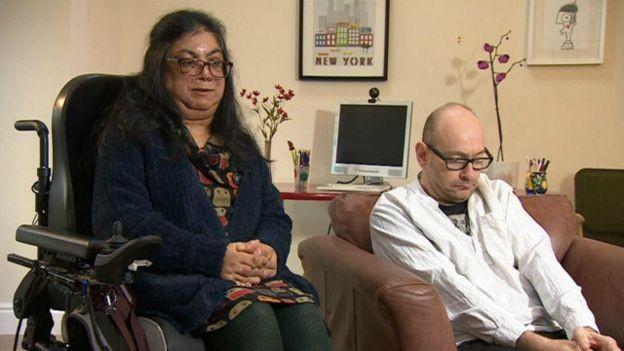 Shital e James estão juntos há nove anos: 'Jamais vou conseguir fazer todas as posições do Kama Sutra'  (Foto: BBC)