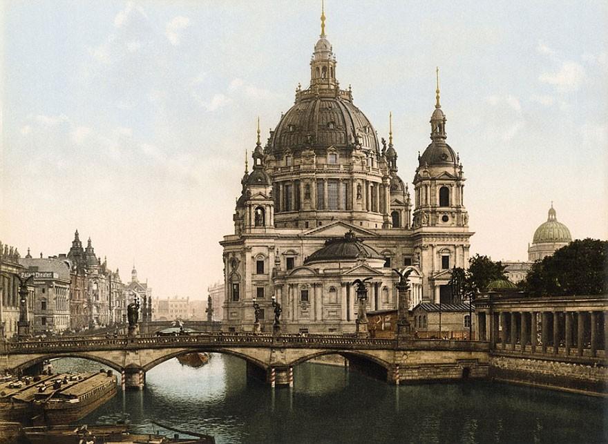 Catedral de Berlim (FOTO: TASCHEN VIA BOREDPANDA)