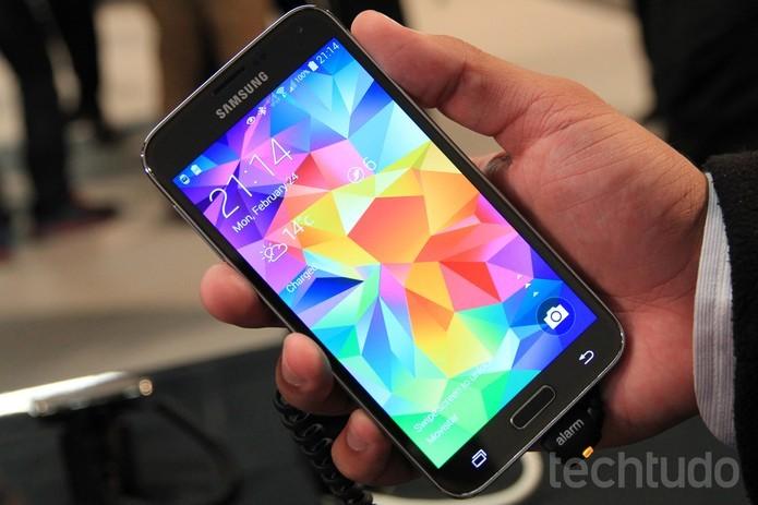 Este é o Galaxy S5, da Samsung (Foto: Isadora Díaz/TechTudo)