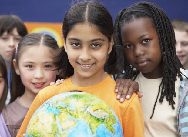 Como ensinar nossos filhos a serem tolerantes? (Foto: Thinkstock)