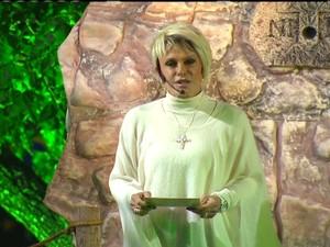 A apresentadora Ana Maria Braga leu um trecho do Evangelho de São Lucas (Foto: Reprodução Globo News)