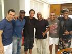 Ronaldinho Gaúcho compõe nova canção e grava com Os Morenos