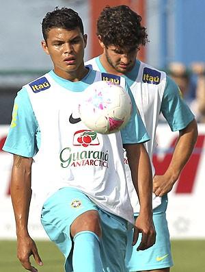 Thiago Silva no treino da Seleção Brasileira (Foto: EFE)
