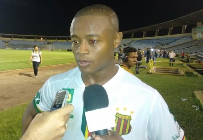 Edgar é o atacante do Sampaio (Foto: Afonso Diniz/GloboEsporte.com)