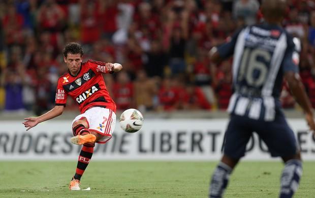 Elano falta gol, Flamengo x Emelec (Foto: EFE)