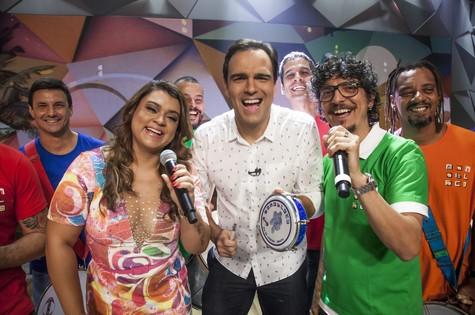 Preta Gil, Tadeu Schmidt, Pedro Luís e Monobloco no 'Fantástico' (Foto: Sergio Zalis/TV Globo)