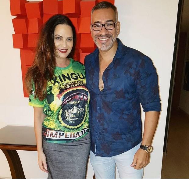 Luiza Brunet com o carnavalesco da Imperatriz, Cahê Rodrigues (Foto: Reprodução/Instagram)