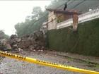 Deslizamento de rochas deixa dois mortos em Petrópolis, no RJ