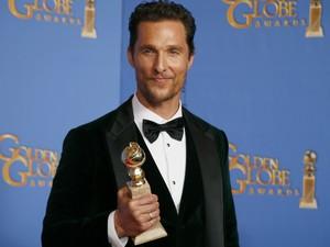 Matthew McConaughey vence o prêmio de melhor ator dramático por 'Clube de compras Dallas' no 71º Globo de Ouro, que acontece neste domingo (12), em Los Angeles. (Foto: REUTERS/Lucy Nicholson)