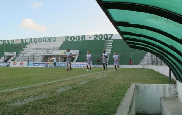 Estádio Municipal Gerson Amaral, em Coruripe (AL) (Foto: Daniel Romeu / Globoesporte.com)