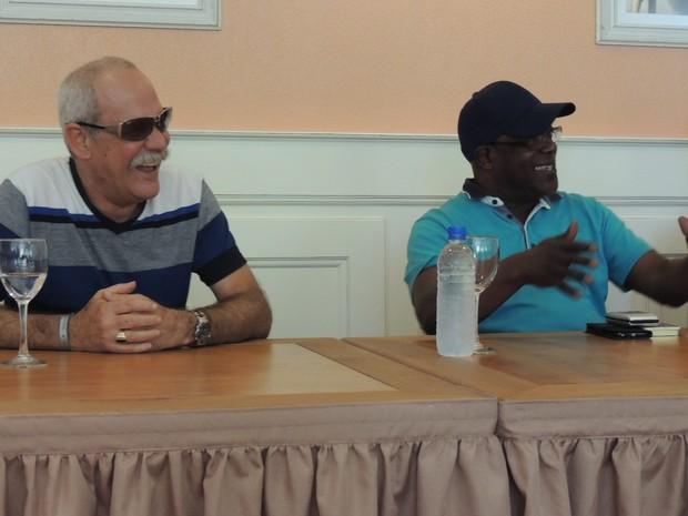 Músicos do Buena Vista Social Club, durante entrevista coletiva em Florianópolios nesta sexta (11) (Foto: Mariana Faraco/G1)