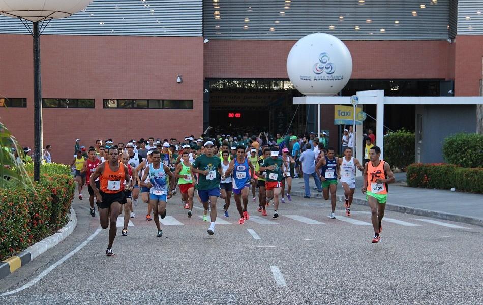 Competição reuniu 2.300 atletas profissionais e amadores (Foto: Marcos Dantas/ G1 AM)