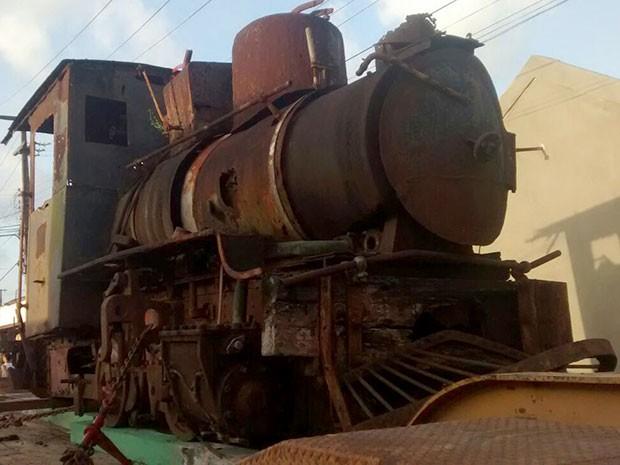 Locomotiva usada em Ceará-Mirim foi desativada na década de 1970 (Foto: Flávio Muniz/G1)