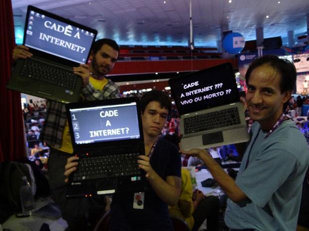 A conexão de internet na Campus Party Recife caiu na tarde deste domingo (29) (Foto: Luna Markman/G1)
