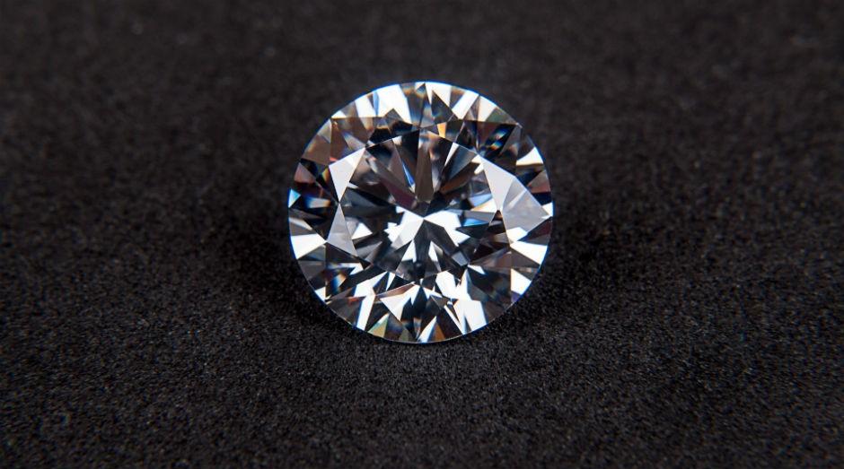 Ao menos três empresas estão prospectando a pedra preciosa no país (Foto: Pexels)