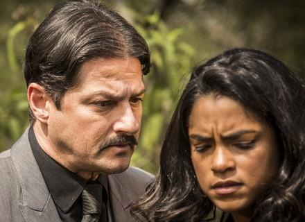Carlos desperta ira de Luzia: 'Vou desfrutar do seu corpo até cansar'