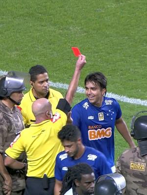 Marcelo Moreno é expulso pelo árbitro Héber Roberto Lopes (Foto: Reprodução / Premiere)
