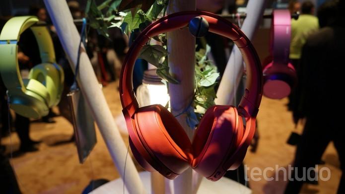 H.ear On, headphone sem fio lançado pela Sony na CES 2016 (Foto: Thássius Veloso/ TechTudo)