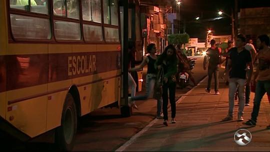 Ônibus de estudantes são escoltados pela polícia após assaltos em PE