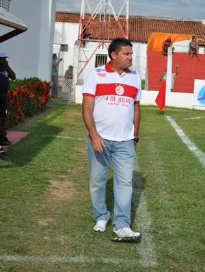 Jorge Pinheiro, treinador do 4 de Julho (Foto: Renan Morais/GLOBOESPORTE.COM)