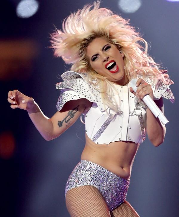 Lady Gaga durante apresentação no Super Bowl (Foto: Getty Images)