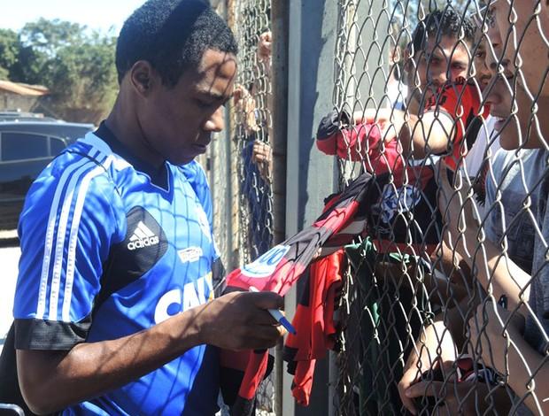 Elias treino Flamengo (Foto: Cahê Mota)