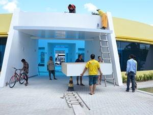 Comerciantes iniciaram transferência para o Centro de Artesanato de Tambaú neste sábado (4) (Foto: Divulgação/Secom-PB)