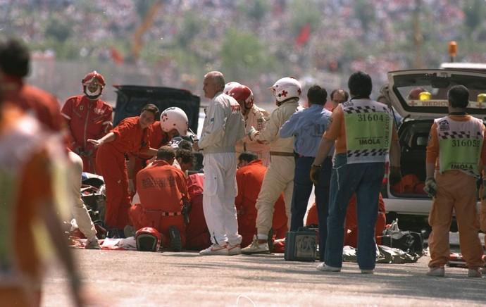 Ayrton Senna acidente, médicos, curva tamburello (1994) (Foto: Getty Images)
