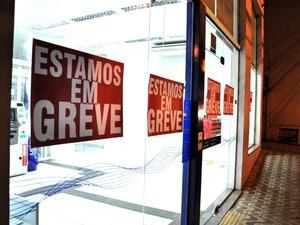 Greve em Mato Grosso foi iniciada na quinta-feira (19). (Foto: Renê Dióz/G1)