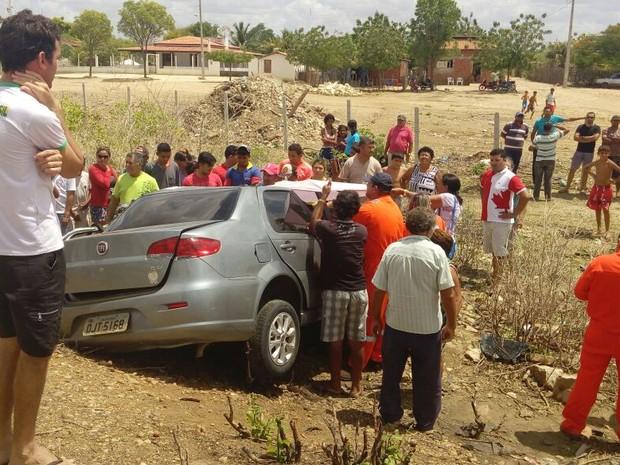 Acidente aconteceu na manhã desta quarta-feira (4) (Foto: Sargento Crisvaldo/Polícia Militar)