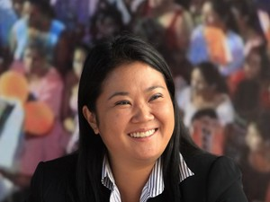Keiko Fujimori sorri durante entrevista nesta quinta-feira (2) em Lima (Foto: AP)