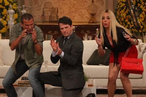Eri Johnson, Marcelo Serrado e Heloísa Perissé em cena (Foto: Reprodução)