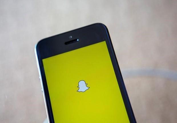 Aplicativo Snapchat é iniciado em celular (Foto: Eric Thayer/Arquivo/Reuters)