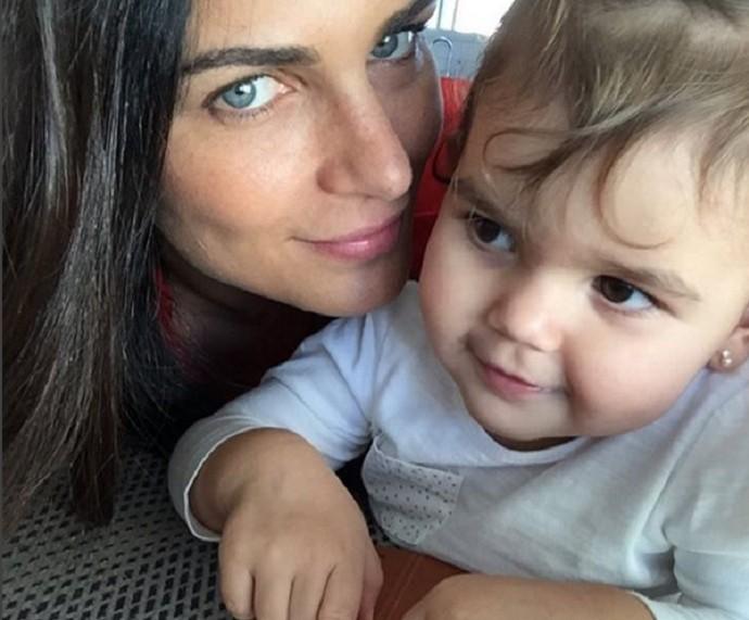 """""""Brinco que ela tem 18 anos e me enganaram', conta Fernanda Motta sobre a filha (Foto: Arquivo Pessoal)"""