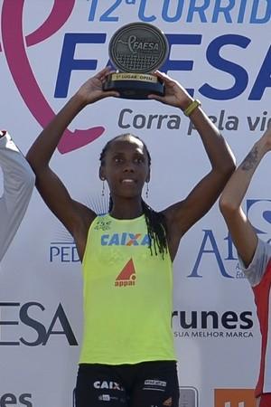 Rrejane, tri-campeã da prova feminina (Foto: Divulgação/Corrida Faesa)